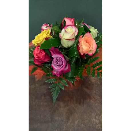 Bouquet Rond De Roses Multicolores Poche D Eau Art Floral Feurs